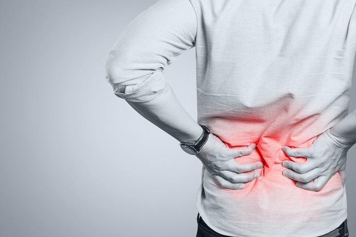 amikor a séta fáj a csípőízületet ujjütéssel fáj az ízület