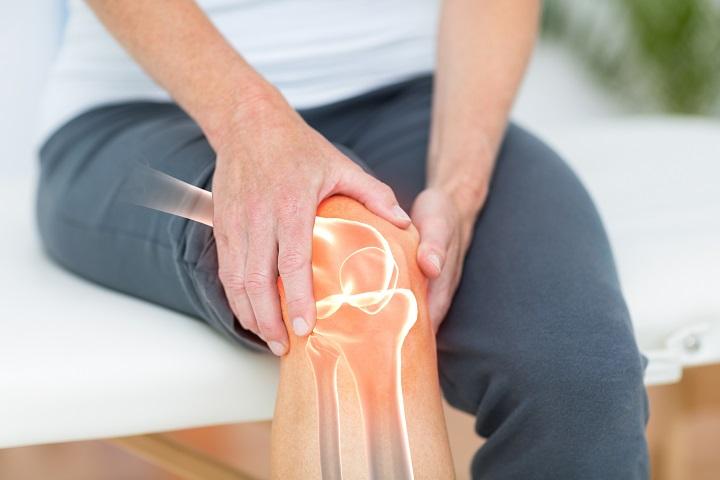 hirtelen szúró fájdalom a térdben a térdízületek fájdalmainak masszírozói