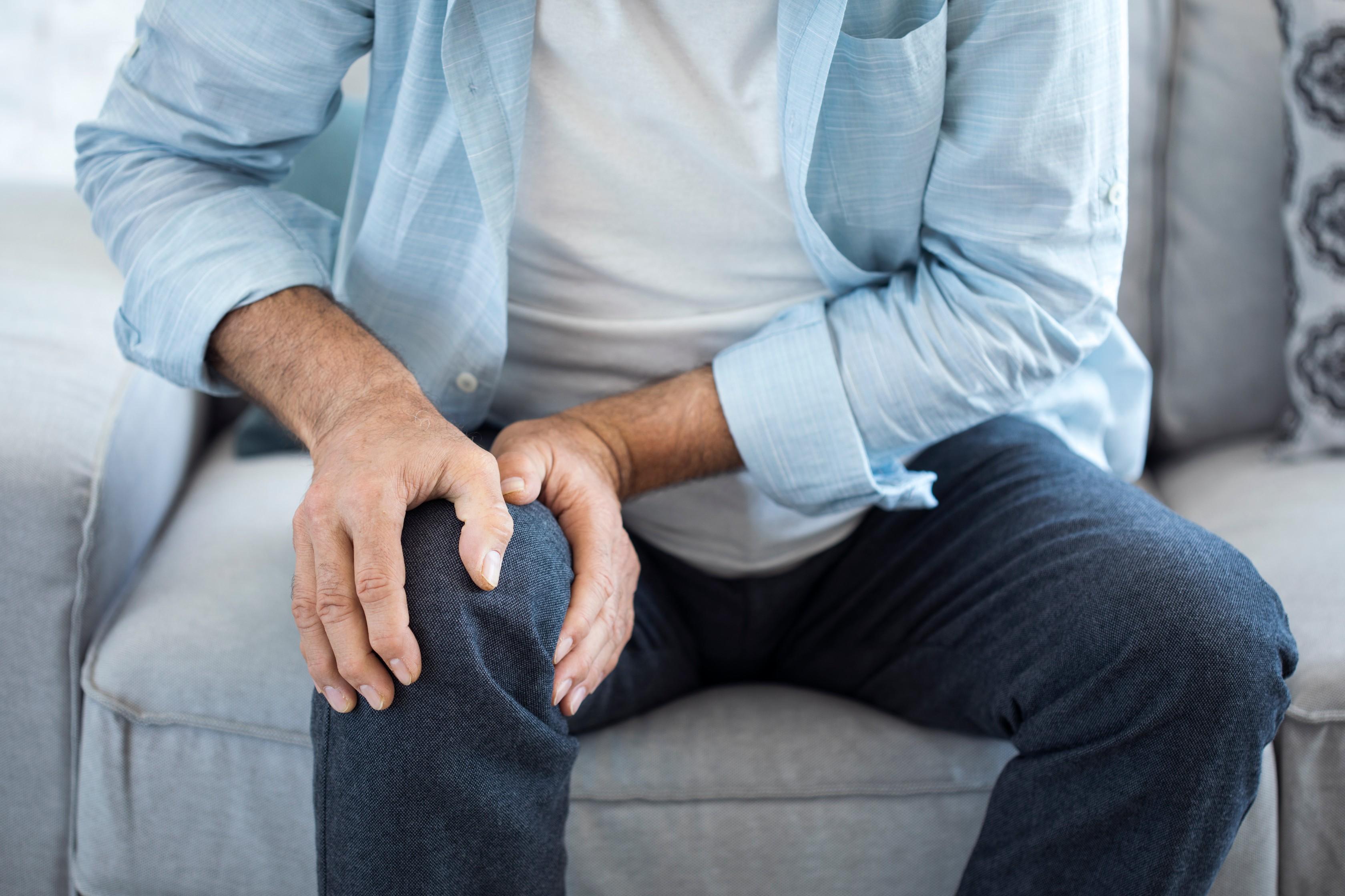 az ujjak interphalangealis ízületeinek ízületi gyulladása