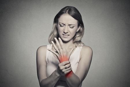 fájdalom ízületek zsineg gyógyítja a térd osteochondrozist