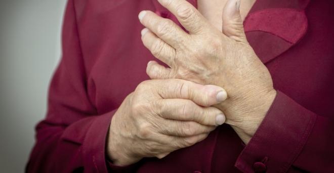 hogyan lehet kezelni az ujjízületet a kezén gyulladás a könyökben
