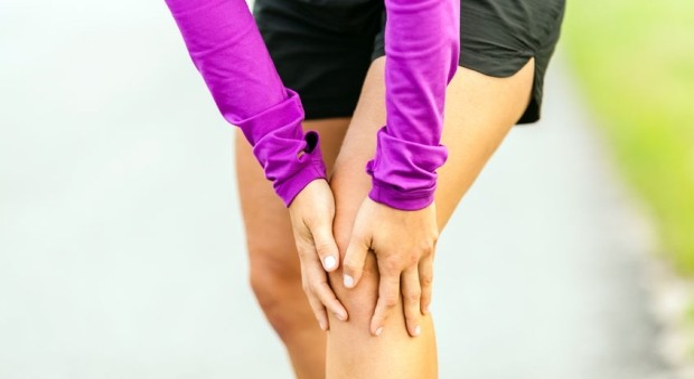térdízületi fájdalom ereszkedése fájdalom a térd felett